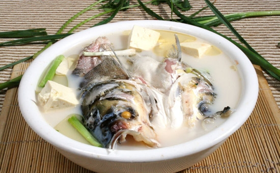 富有益阳特色的民间美食——鱼头炖豆腐
