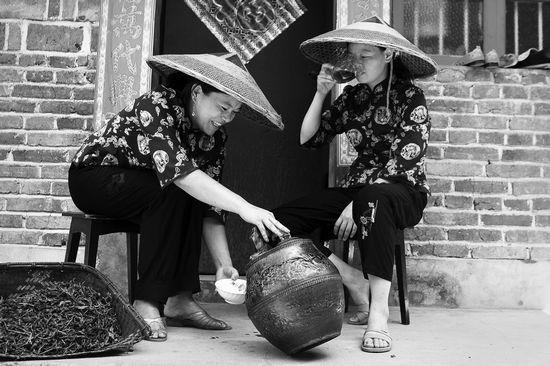 《我们的黑茶》摄影艺术展作品之茶乡风情篇